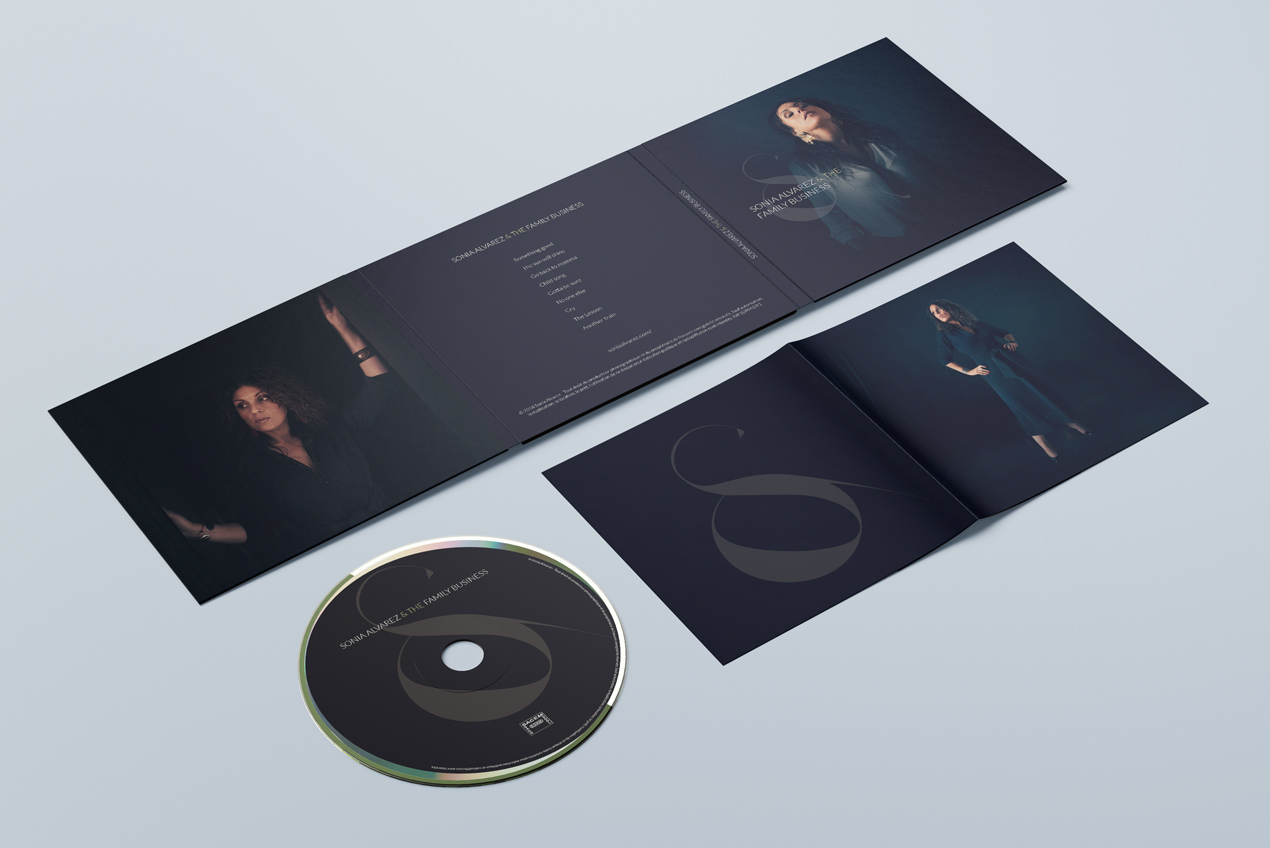 Sonia Alvarez - Album digifile mockup outside