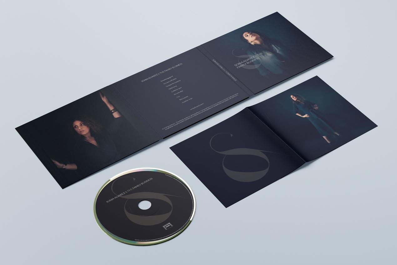 Sonia Alvarez - Album digifile mockup outside